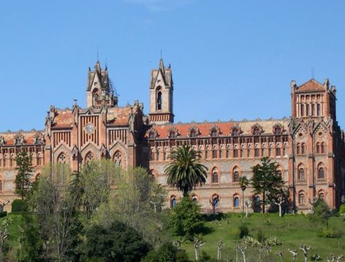 Universidad Pontificia Comillas LDA